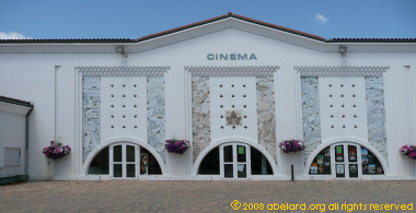 Morcenx cinema building