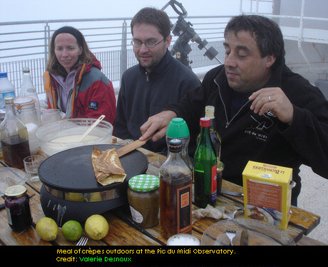 Outdoor dinner at the Pic du Midi Observatoire. Image: Val�rie Desnoux, Fran�ois Colas
