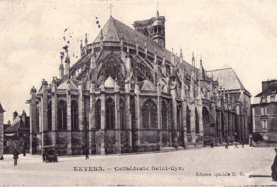 Buttressing at the eastern end of Nevers cathedral