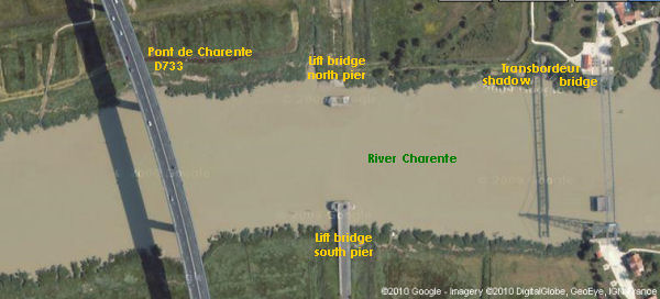 Google satellite image of the three bridges on the Charente river near Rochefort