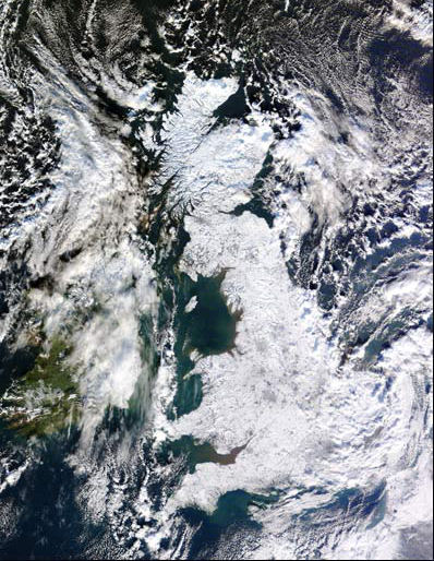 Satellite image of the UK covered by snow,07.01.10