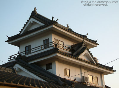 Close up of a miniature castle in Kokubu. Image credit: the auroran sunset