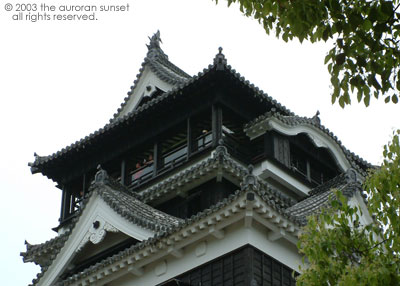 Kumamoto Castle, up close. Image credit: the auroran sunset