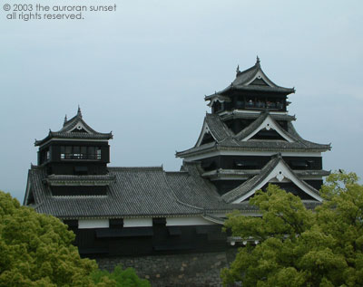 Kumamoto Castle, wide view. Image credit: the auroran sunset