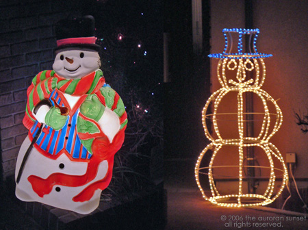 Two lit up snowmen in Tokyo. Image credit: the auroran sunset